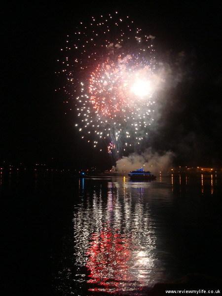 new years eve tokyo fireworks yokosuka 01